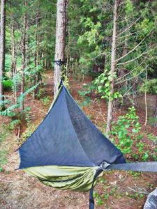 Lightweight hiking hammock is make sense to bring