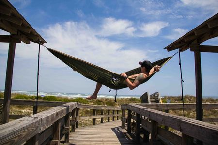 Portable parachute hammock is important for traveling