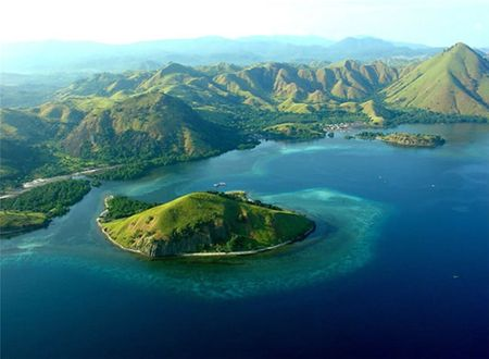 Komodo sailing trip package is perfect for magnificent experiences and adventures