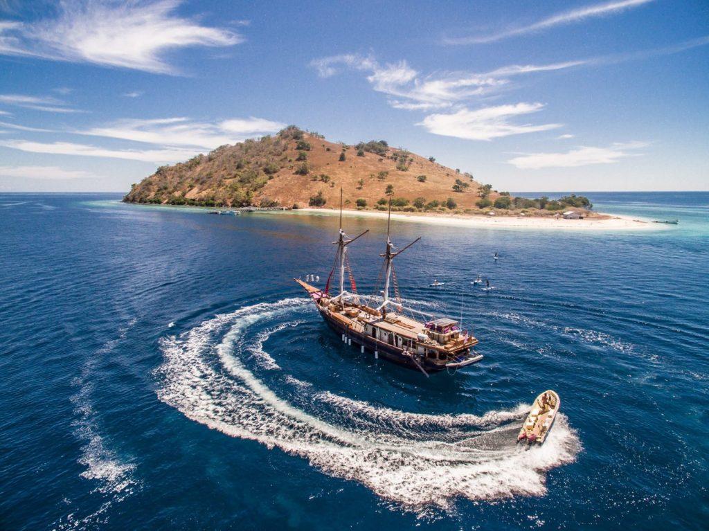 labuan bajo cruise