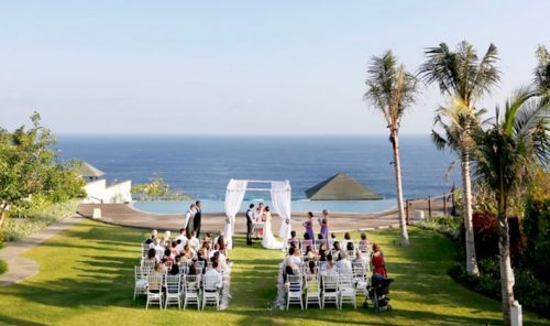 oceanfront weddings in bali - professional vendor